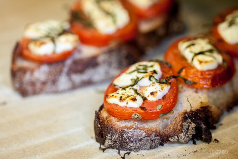 Tartines tomate feta