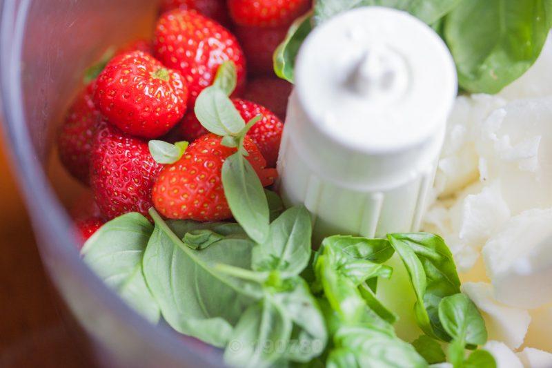 sorbet-fraises-basilic-mixeur